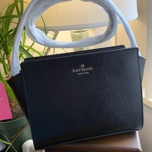 Authentic Kate Spade Boarskin leather zip Crosby❤️